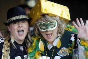 Photos: Fans frolic before Saints topple Packers