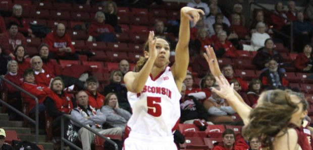 Women's Basketball: Tessa Cichy comes off bench to lead Badger comeback