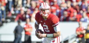 Badgers hang on against Iowa, 26-24