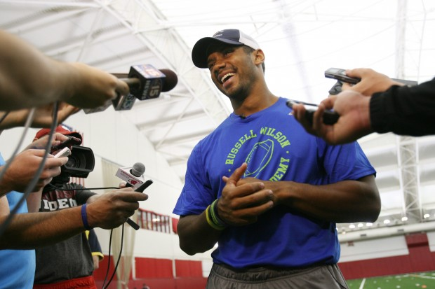 Photos russell wilson 39 s passing academy gallery for Academy sports fish finders