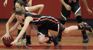 Photos: No rest on defense for Verona, Sun Prairie girls basketball