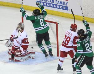 BIG10: Badgers - North Dakota's 3-goal Third-period Extends UW's Skid