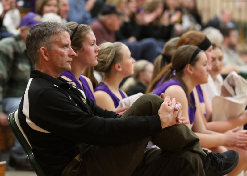 barneveld girls The barneveld girls basketball team is back at the state tournament, but this time it's in green bay, not madison.