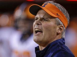 Video: Illinois fires football coach Tim Beckman for mistreatment of players