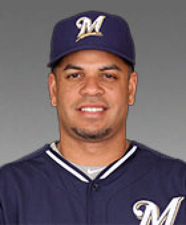 Brewers: Aramis Ramirez helps Milwaukee extend division lead