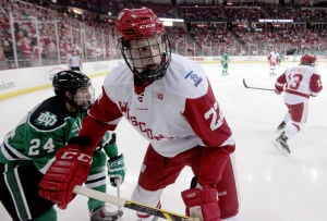 BIG10: Badgers Notes - Matt Ustaski Continues Move Through Wisconsin's Lines