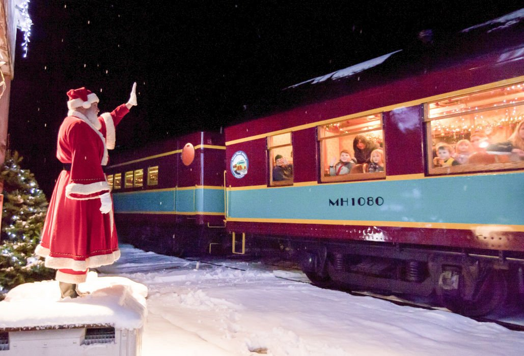 Polar express ride is becoming a new holiday tradition around the