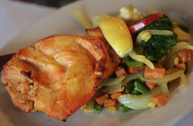 Restaurant review: New Mirch Masala does right by its namesake, other dishes