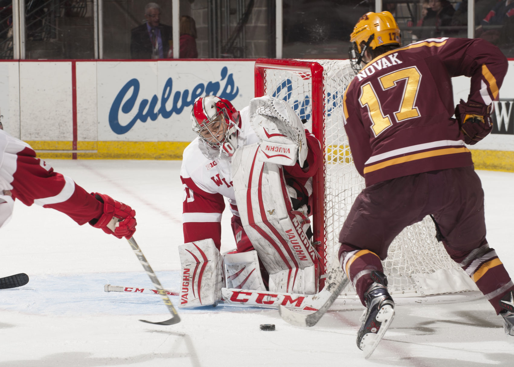 BIG10: Badgers - Wisconsin Goalie Matt Jurusik Eager To Put Last Season In The Past