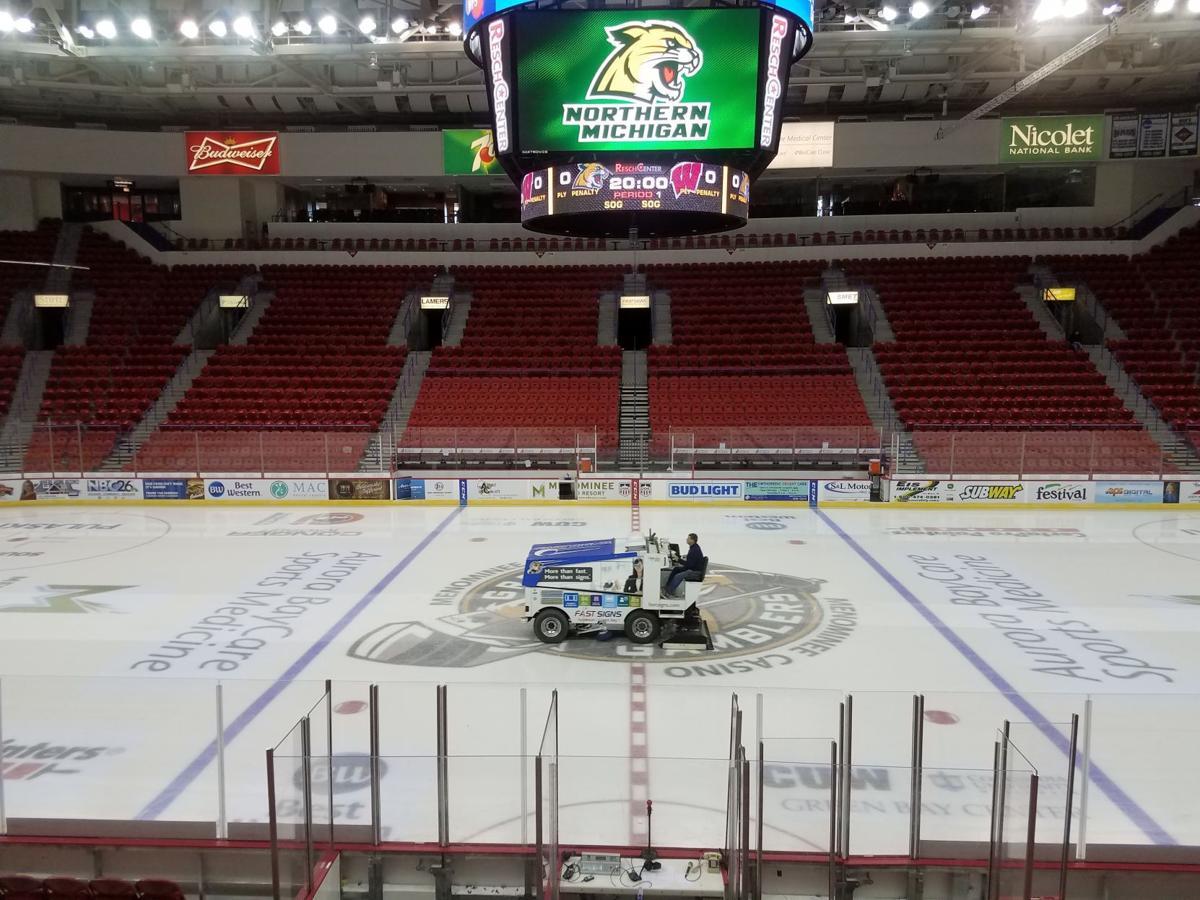 Saturday Morning Snow In Madison >> Badgers men's hockey gameday: Game 2 vs. Northern Michigan   Wisconsin Badgers Hockey   host ...