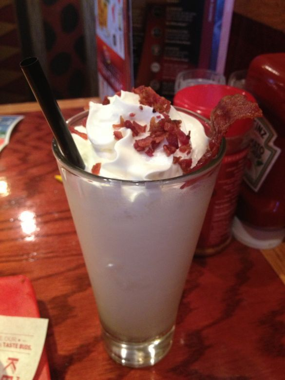 Yeah, I Ate That: The Red Robin Beam-N-Bacon Boozy Shake