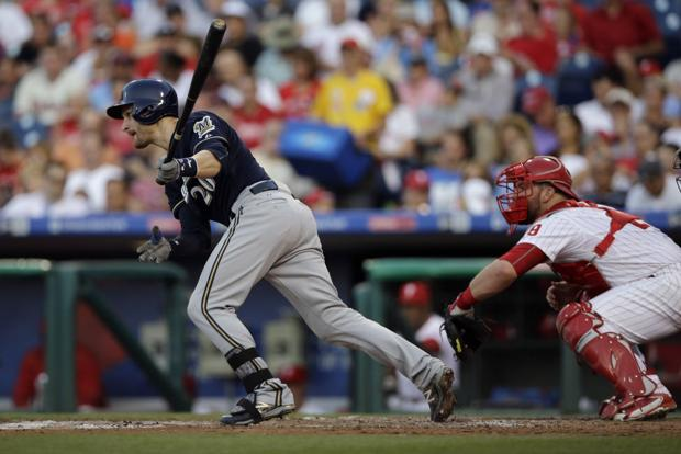Brewers: Jonathan Lucroy's four hits lead to rout in Philadelphia