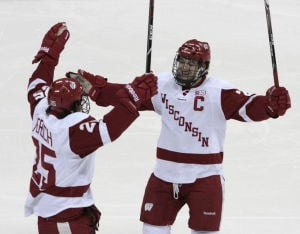 Andy Baggot: Ex-UW hockey players thrilled to back in Madison to train