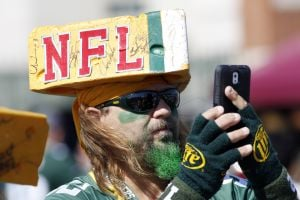 Photos: Fans revel before Packers rally at Lambeau Field