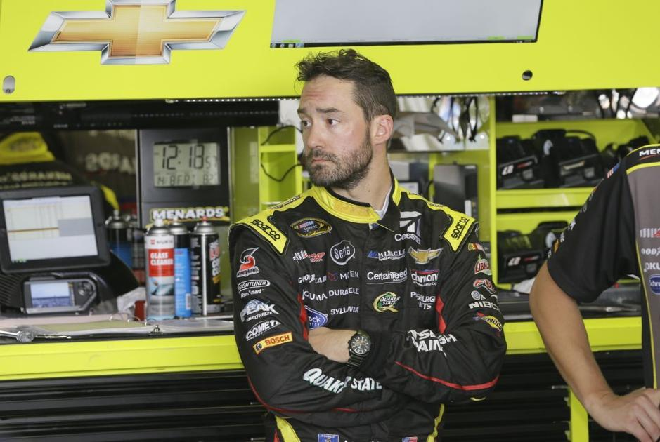 Auto racing eau claire native paul menard ready to roll in chase for
