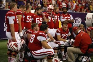 Football: Badgers stall, Tigers maul in Houston