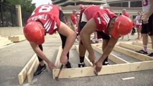 Badgers Build With Habitat for Humanity