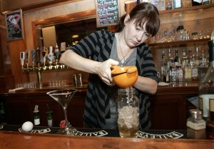 Madison Bartenders Embrace The Craft Cocktail Movement