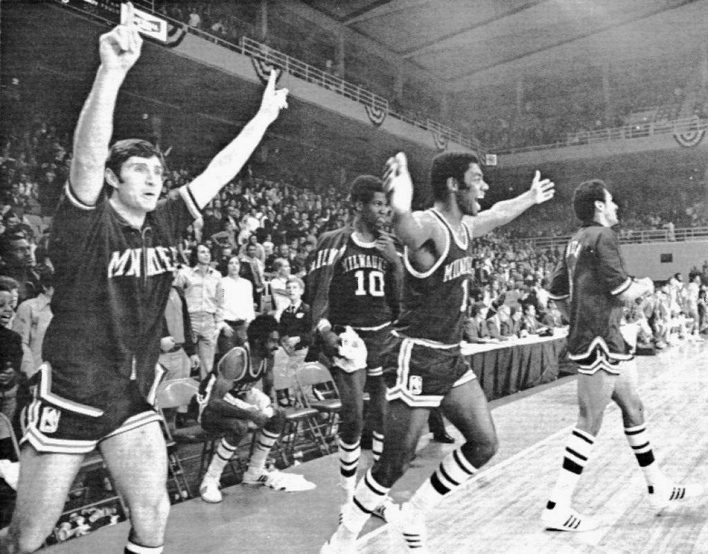 Photos Bucks 1971 Title Team Gallery