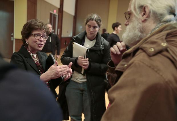 UW-Madison chancellor: Scott Walker budget will mean job losses, longer stays for students