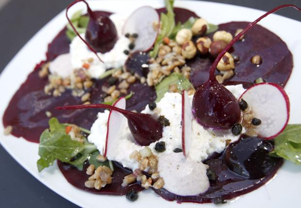 1847 at the Stamm House, beet salad : Uploaded Photos