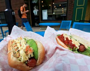 Restaurant review: wiener shop crafts a fancy dog but could plump them up