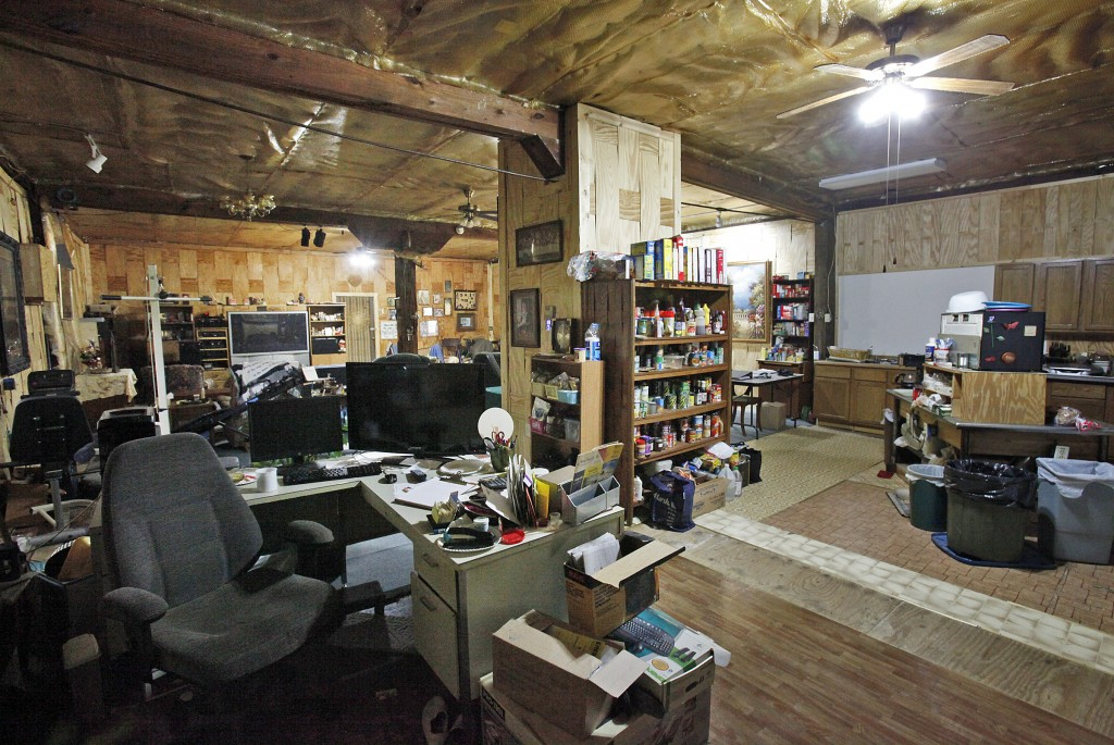 photos living in a warehouse wsj. Black Bedroom Furniture Sets. Home Design Ideas