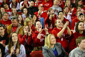 Badger Fans Welcome Home Men's Basketball Team