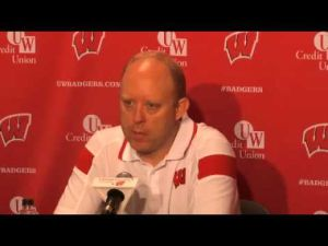 Video: UW volleyball confident but has chip on shoulder, coach says