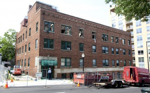 Cause of Capitol Hill apartment fire still sought; no one allowed in building
