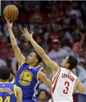 Video: Stephen Curry's 40 lead Warriors to brink of series win over Rockets