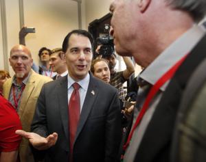 Scott Walker tells New Hampshire GOP of his broad Republican support