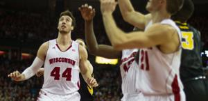 Men's Basketball: Badgers stomp Iowa in efficient fashion