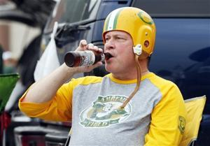 Photos: Fans enjoy themselves before Packers' preseason home opener