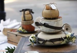 'Will you dairy me?': Cheese wheel wedding cakes a hit with Wisconsin couples