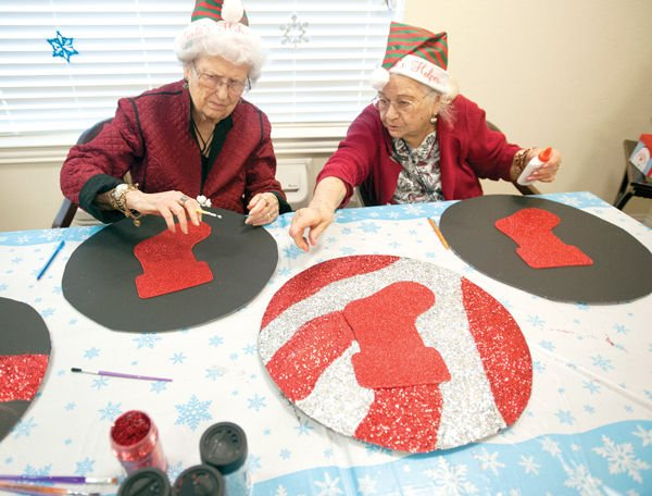 Holiday tips to help the senior in your life seniors for Craft ideas for senior citizens