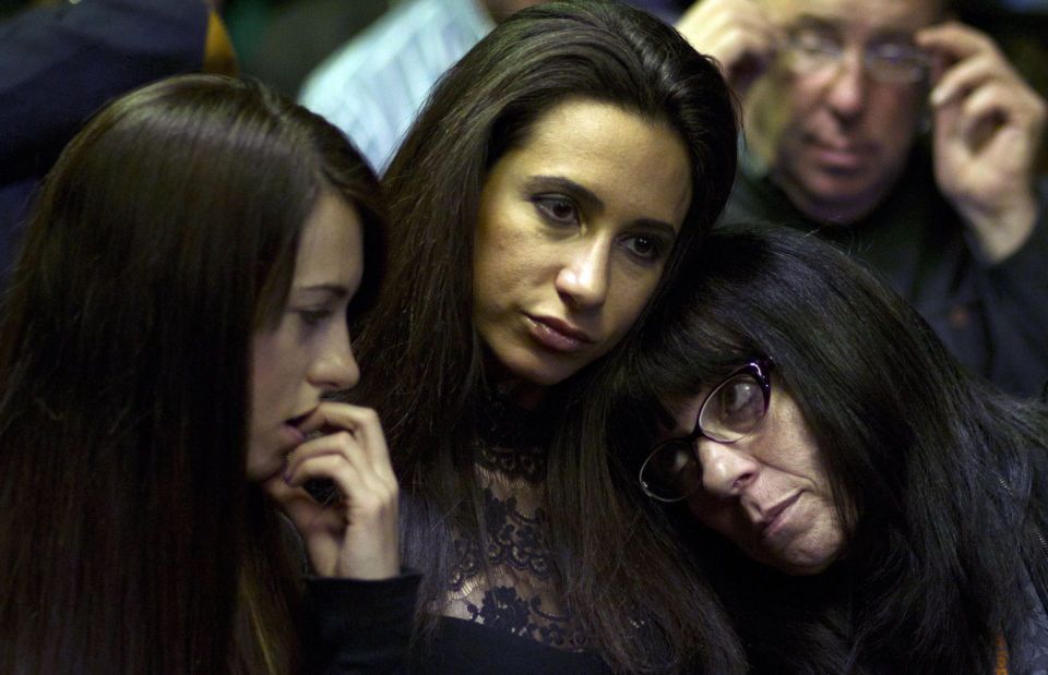 Pistorius, Steenkamp family reps 'talking'