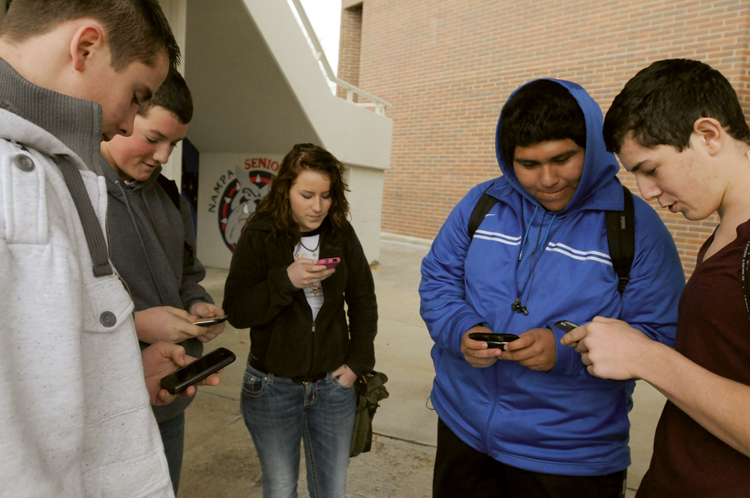 news local uses phone meet teen