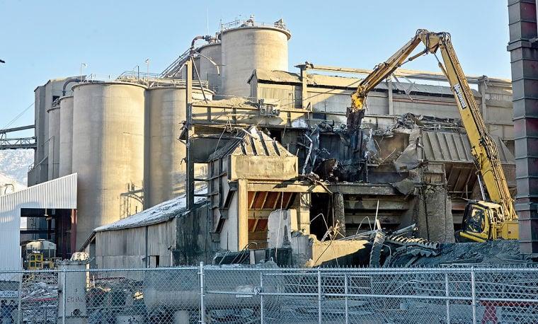 Idaho Cement Plants : Demolition of ash grove cement plant underway in inkom