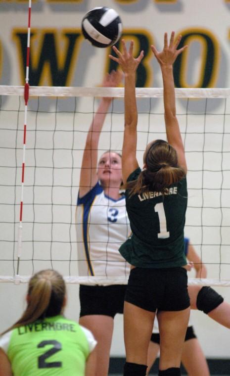 Vollyball Foot vs Liv 9-27-12 060