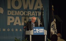 Bernie Sanders gives speech at 'Hall of Fame' dinner