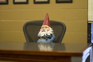 Roaming Gnome comes to Iowa State Daily