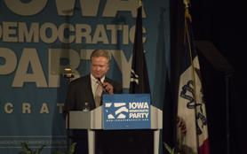 Jim Webb gives speech at 'Hall of Fame' dinner