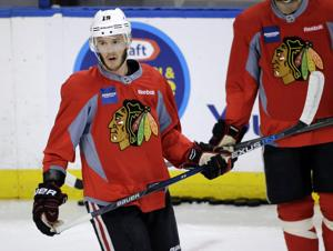 Veteran Blackhawks, young Lightning open Stanley Cup Final