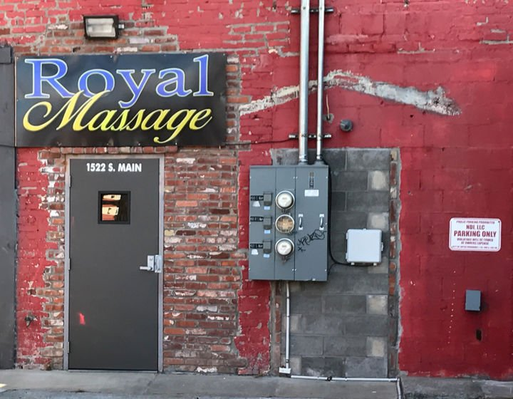 massage parlors royal huntsville