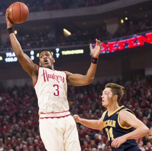 Photos: Wolverines shoot past streaking Huskers, 81-68