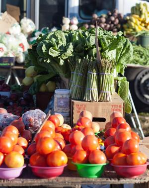 Lincoln farmers markets crank up for season