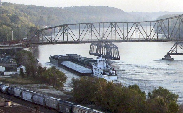 Going Is Slow For Missouri River Barge Traffic Local