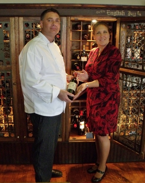 Dining out the green gateau food drink for Dining room manager