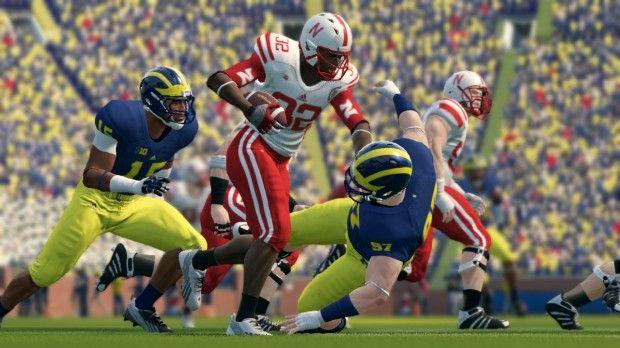 Review Ncaa Football 14 Improves But Series Feels Stale